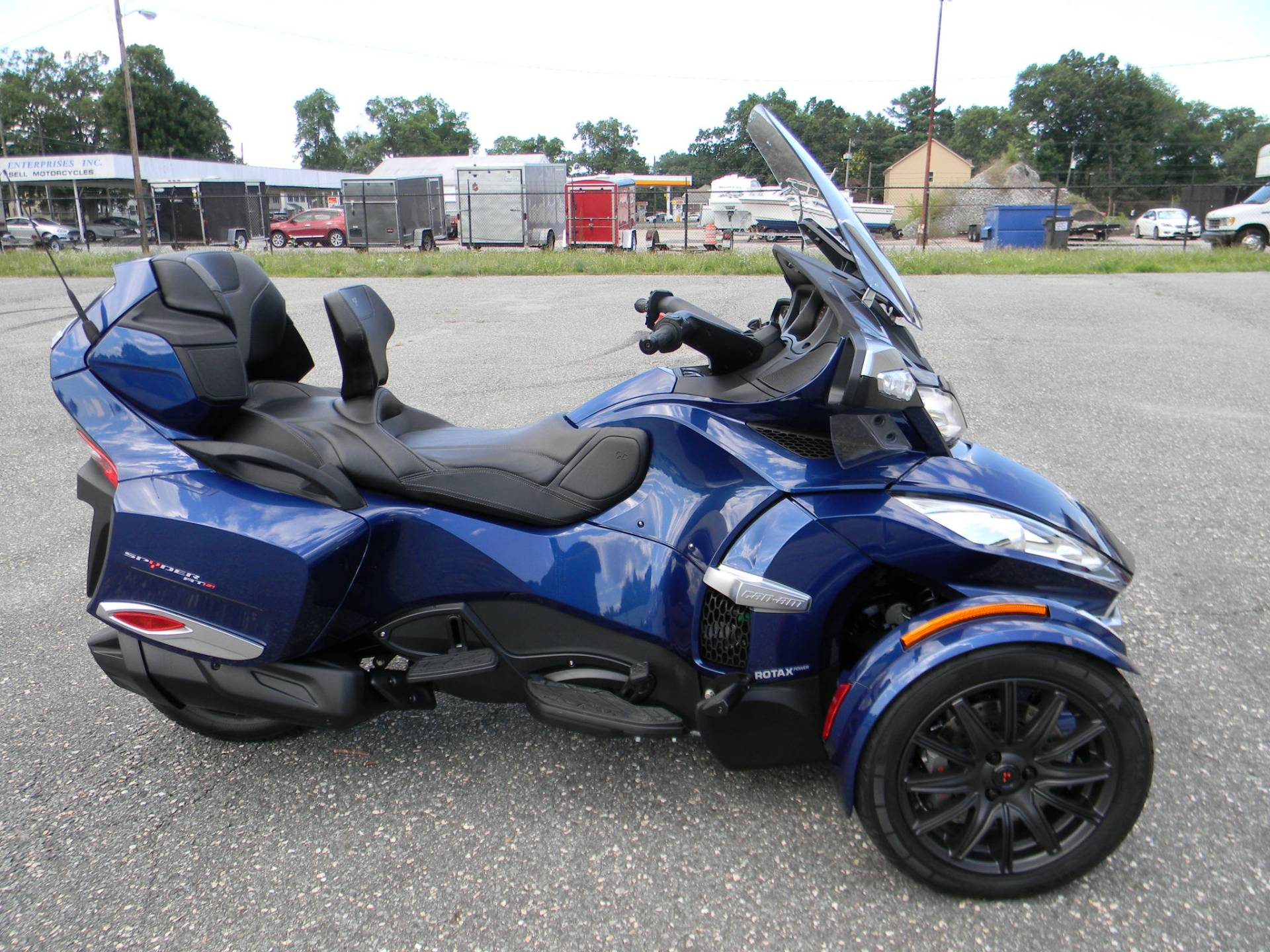 2016 Can-Am Spyder RT-S SE6 in Springfield, Massachusetts - Photo 1