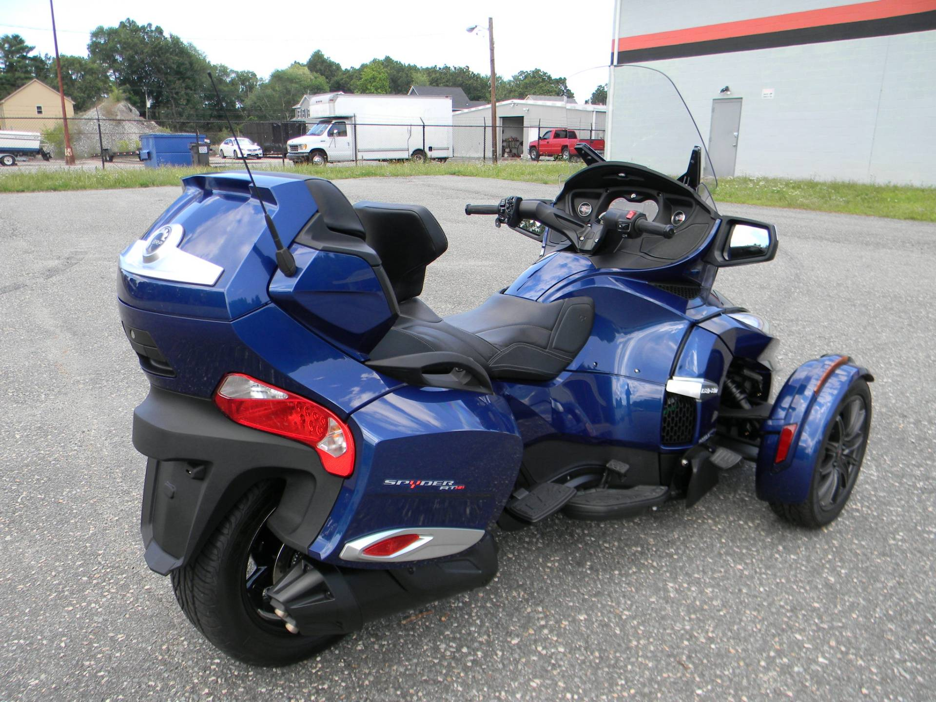2016 Can-Am Spyder RT-S SE6 in Springfield, Massachusetts - Photo 3