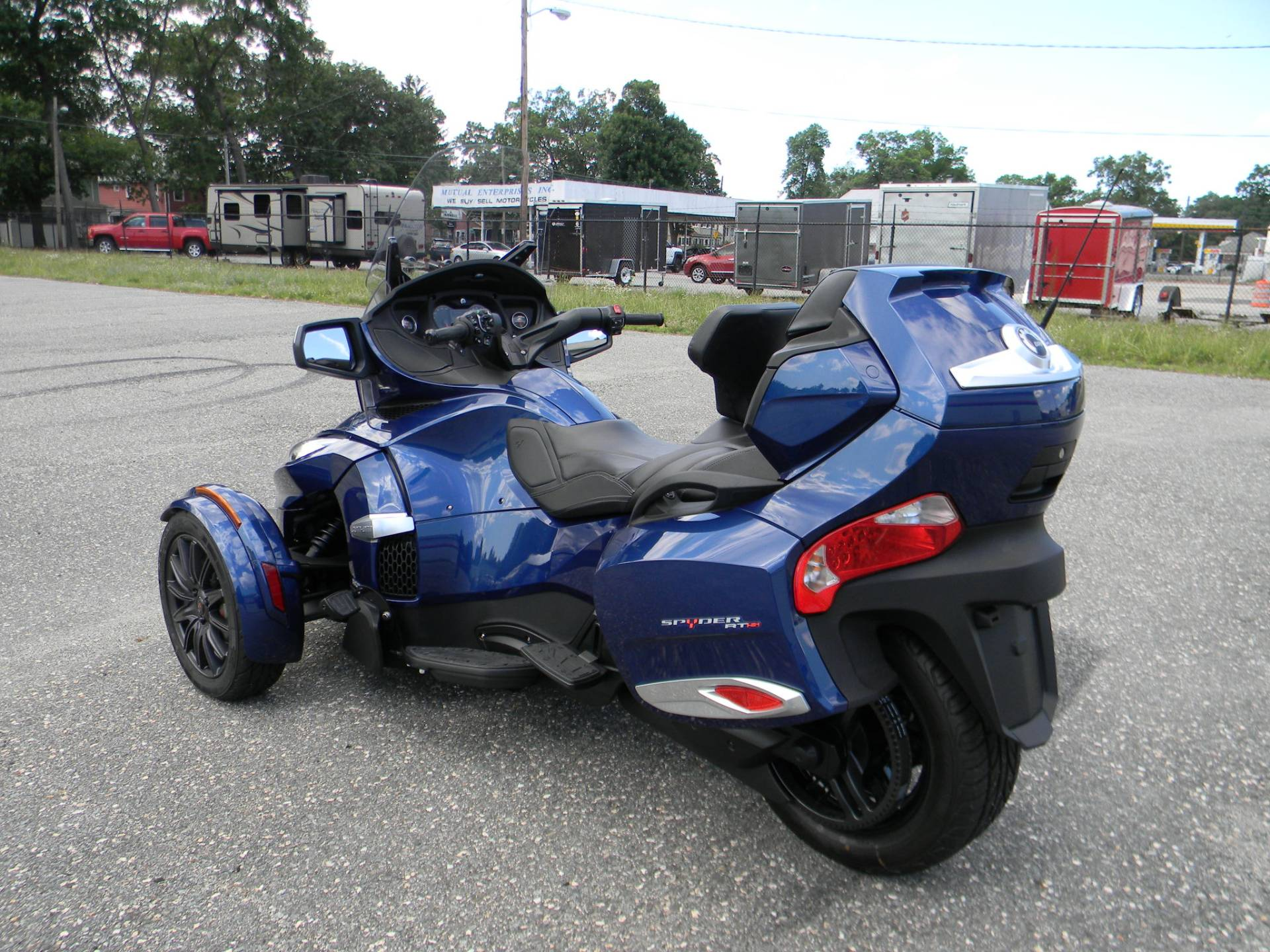 2016 Can-Am Spyder RT-S SE6 in Springfield, Massachusetts - Photo 12