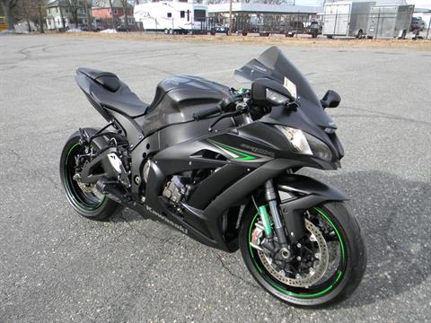 2016 Kawasaki Ninja ZX-10R in Springfield, Massachusetts - Photo 2