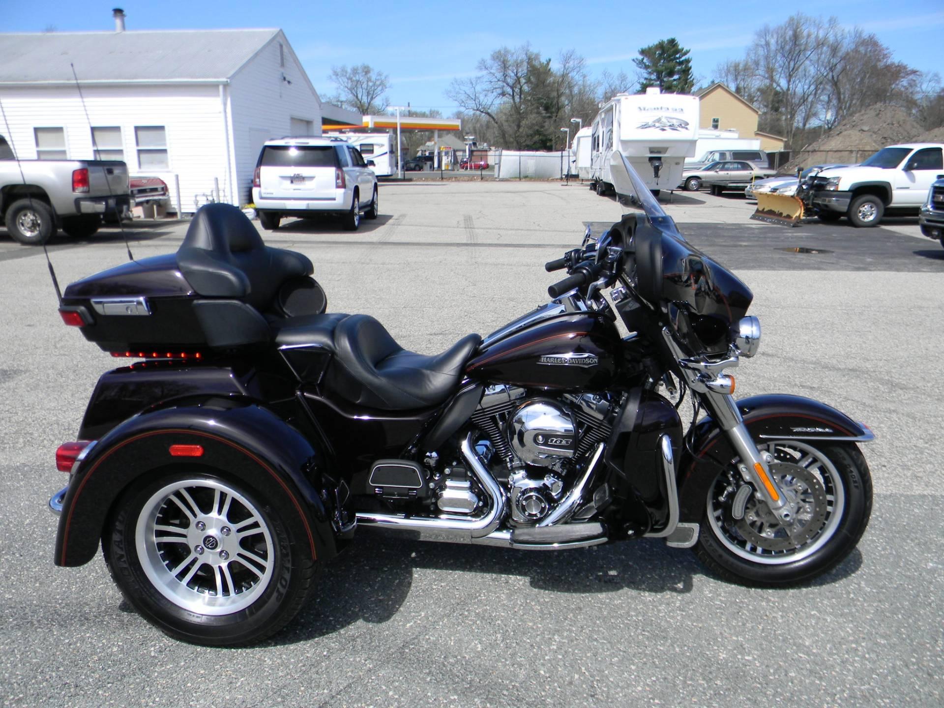 2014 Harley Davidson Tri Glide Ultra: 2014 Harley-Davidson Tri Glide® Ultra Trikes Springfield