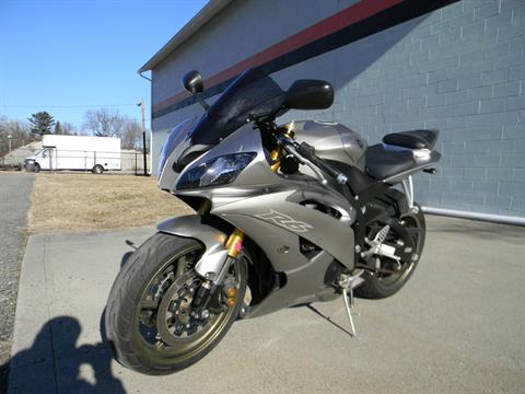 2008 Yamaha YZF-R6 in Springfield, Massachusetts - Photo 5