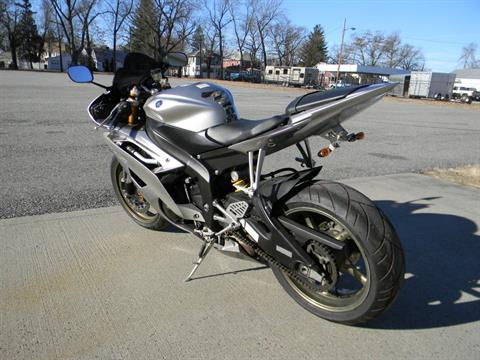 2008 Yamaha YZF-R6 in Springfield, Massachusetts - Photo 7