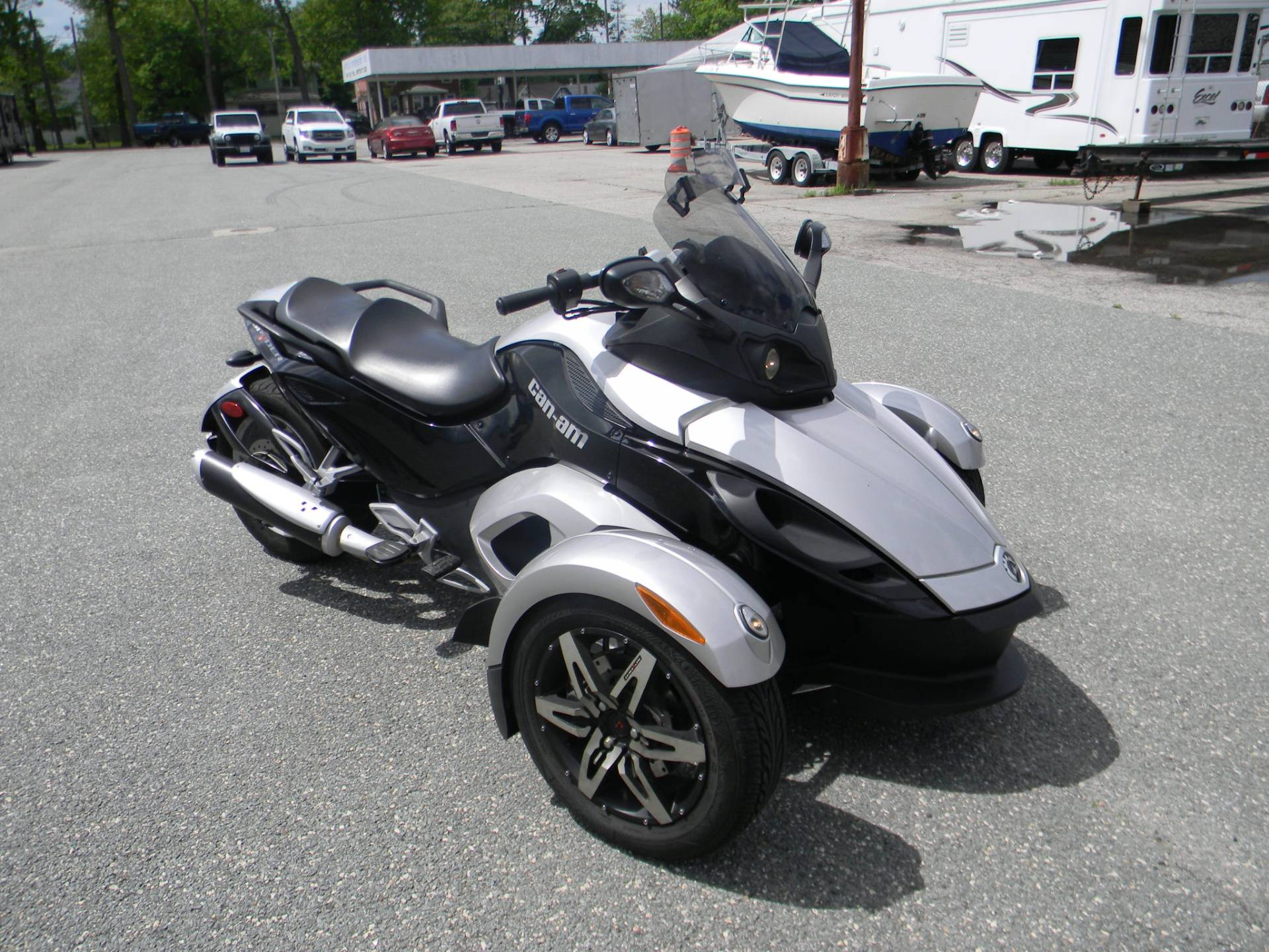 2008 Can-Am Spyder™ GS SE5 in Springfield, Massachusetts - Photo 2