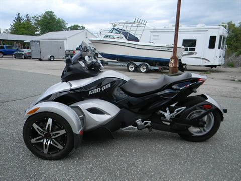 2008 Can-Am Spyder™ GS SE5 in Springfield, Massachusetts - Photo 5