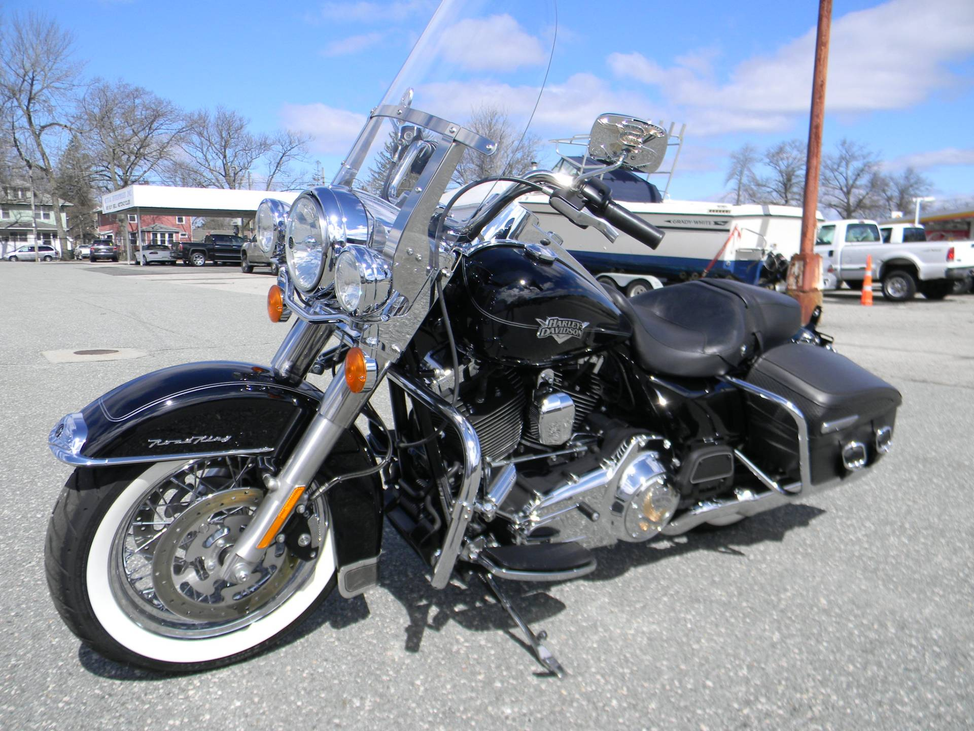 2013 Harley-Davidson Road King® Classic in Springfield, Massachusetts - Photo 5