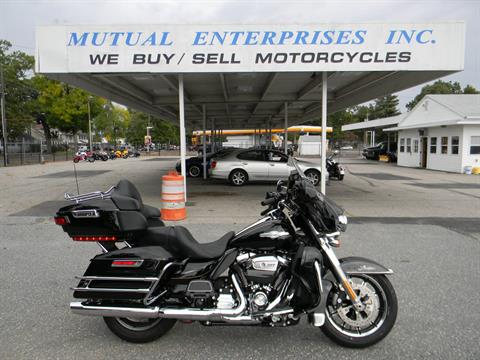 2017 Harley-Davidson Ultra Limited in Springfield, Massachusetts