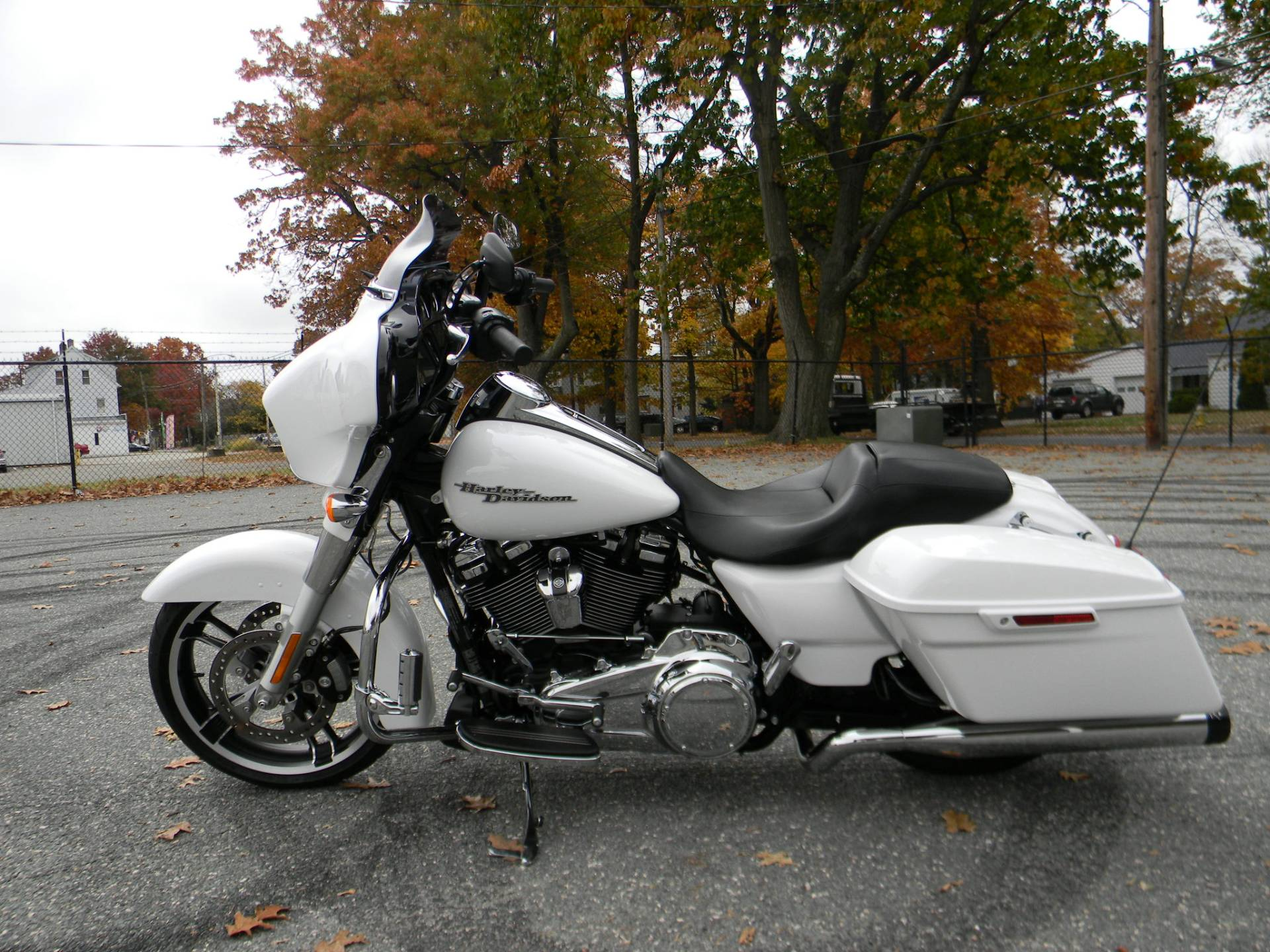 2017 Harley-Davidson Street Glide® Special in Springfield, Massachusetts - Photo 7
