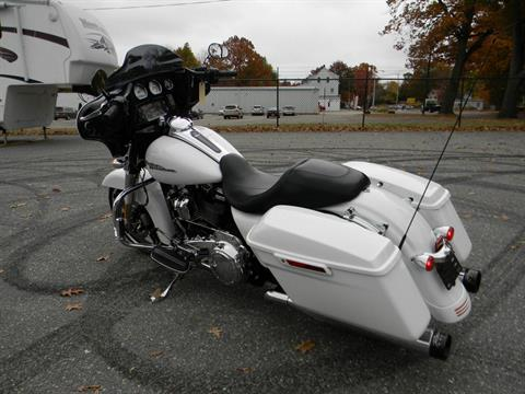 2017 Harley-Davidson Street Glide® Special in Springfield, Massachusetts - Photo 8