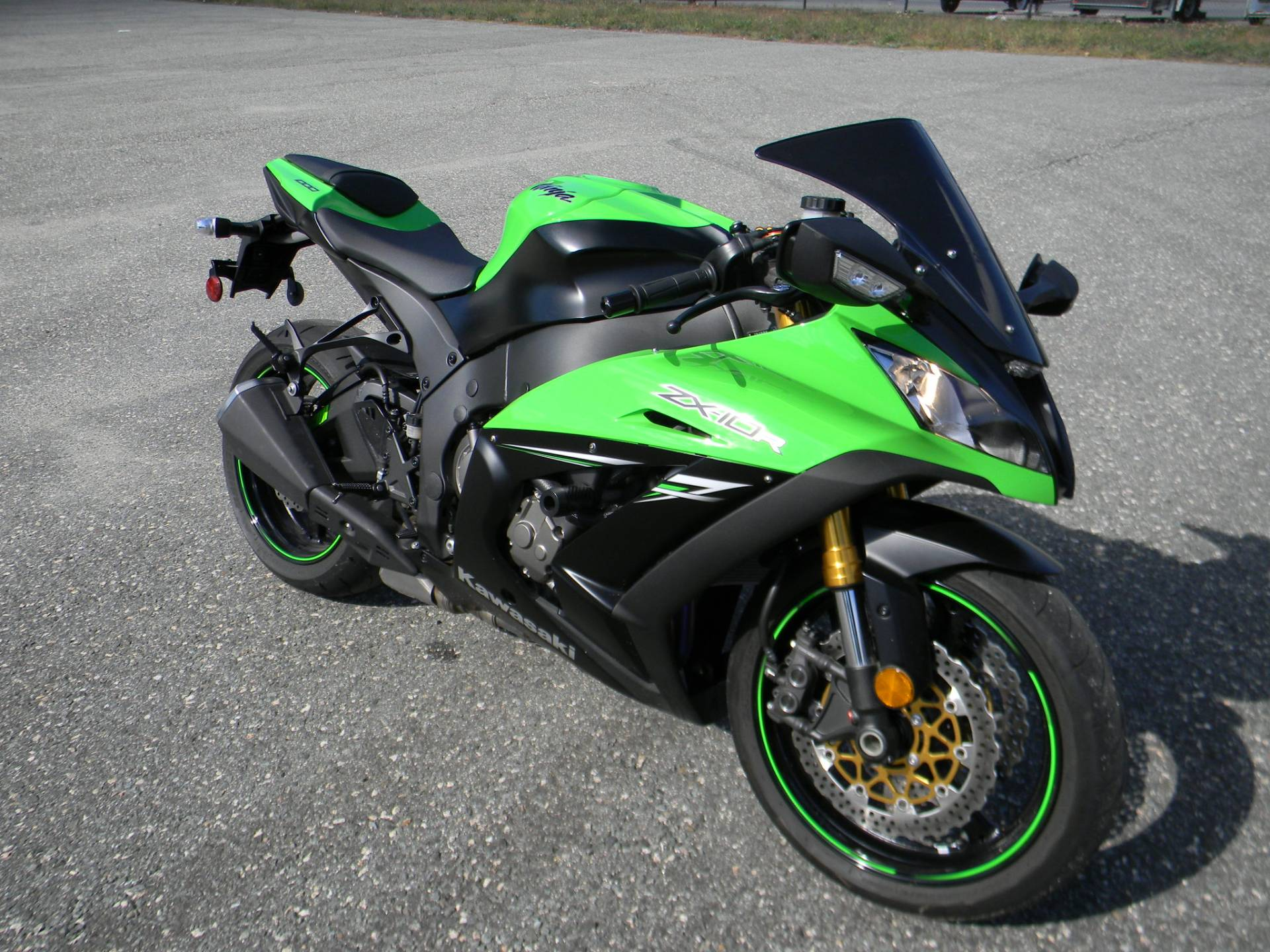 2014 Kawasaki Ninja® ZX™-10R ABS in Springfield, Massachusetts