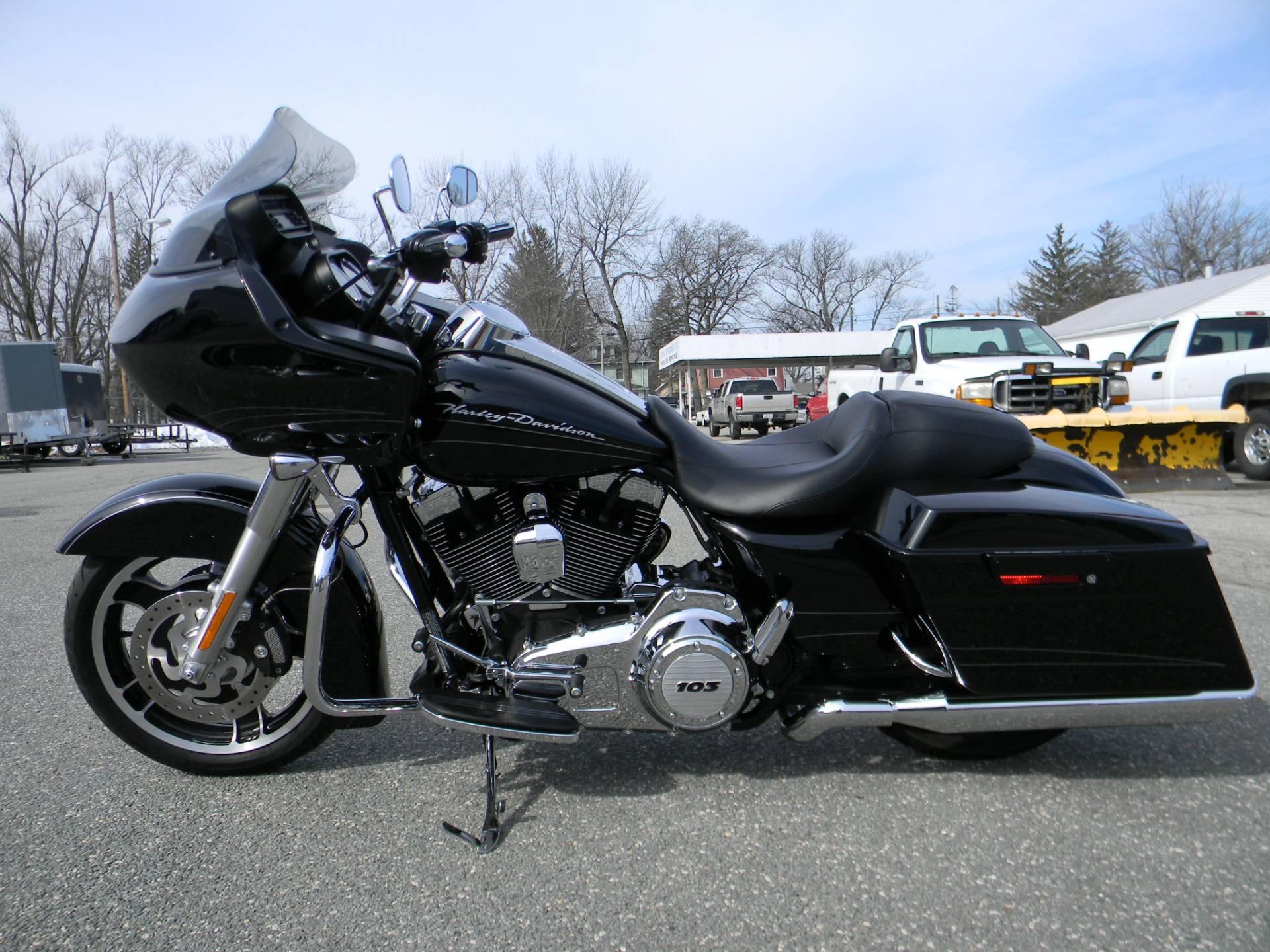 2013 Harley-Davidson Road Glide® Custom in Springfield, Massachusetts