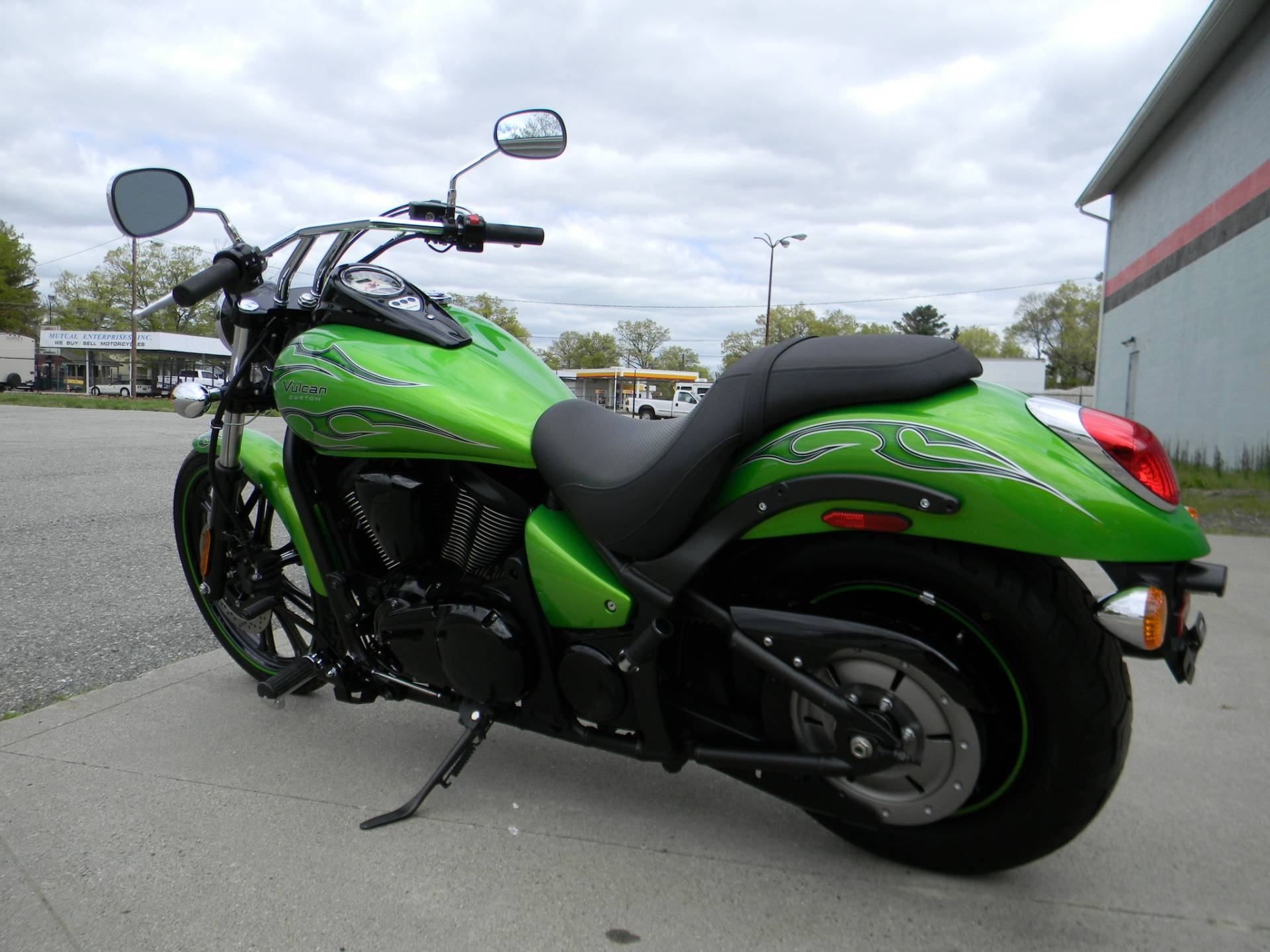 2014 Kawasaki Vulcan® 900 Custom in Springfield, Massachusetts