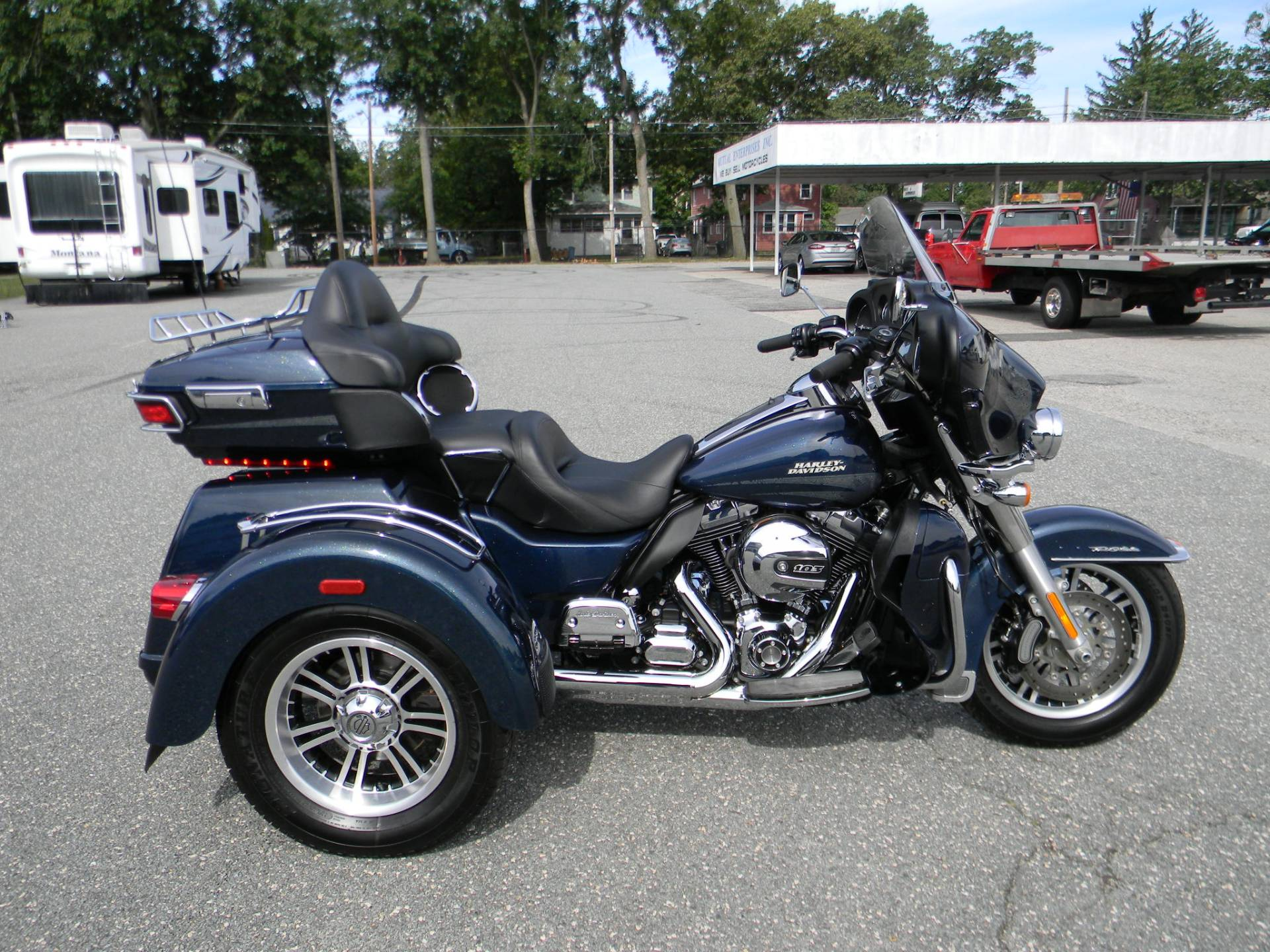 2016 Harley-Davidson Tri Glide® Ultra in Springfield, Massachusetts - Photo 1