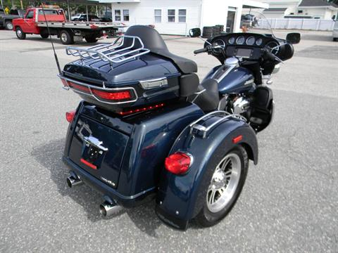 2016 Harley-Davidson Tri Glide® Ultra in Springfield, Massachusetts - Photo 3