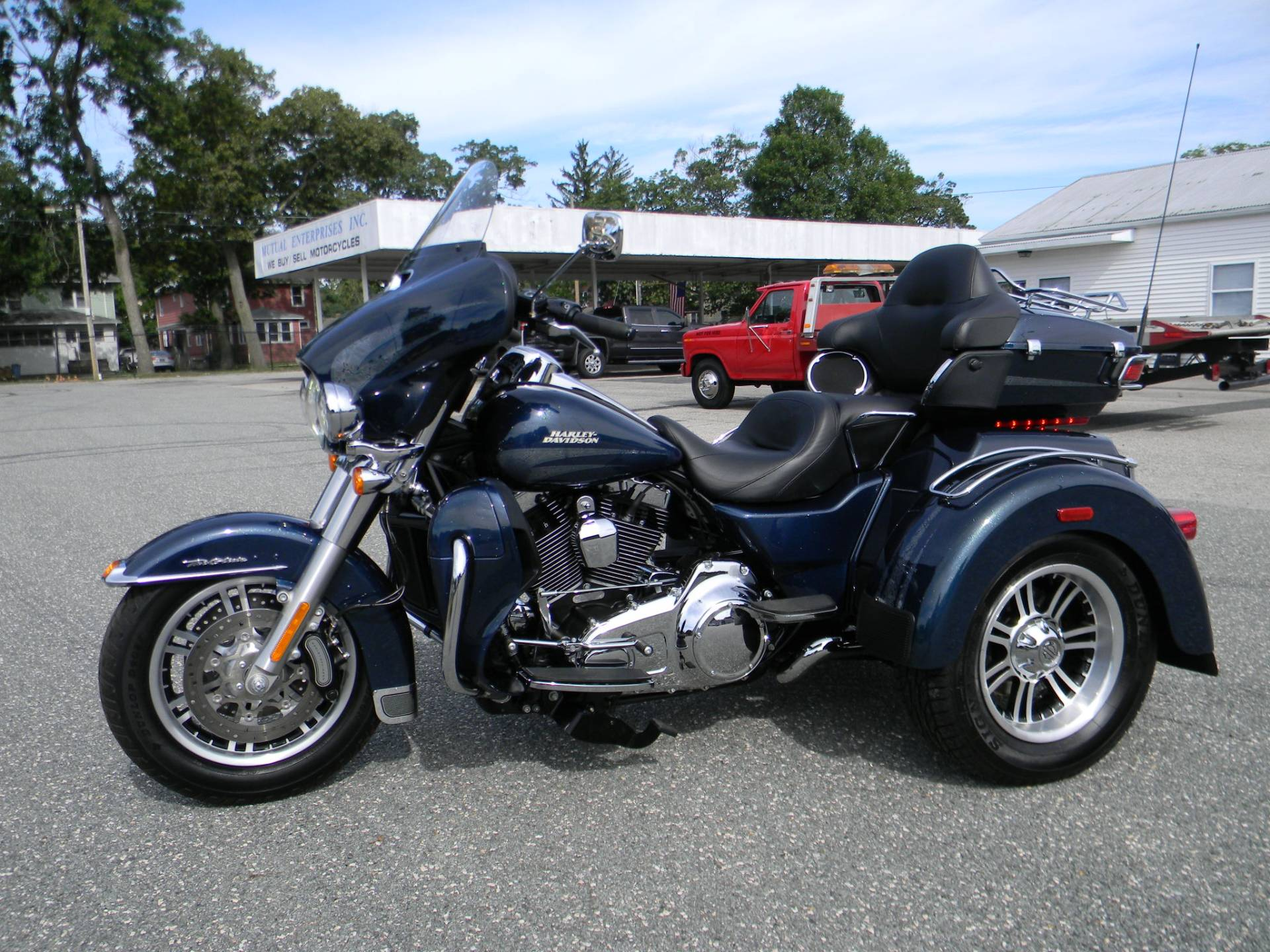 2016 Harley-Davidson Tri Glide® Ultra in Springfield, Massachusetts - Photo 8