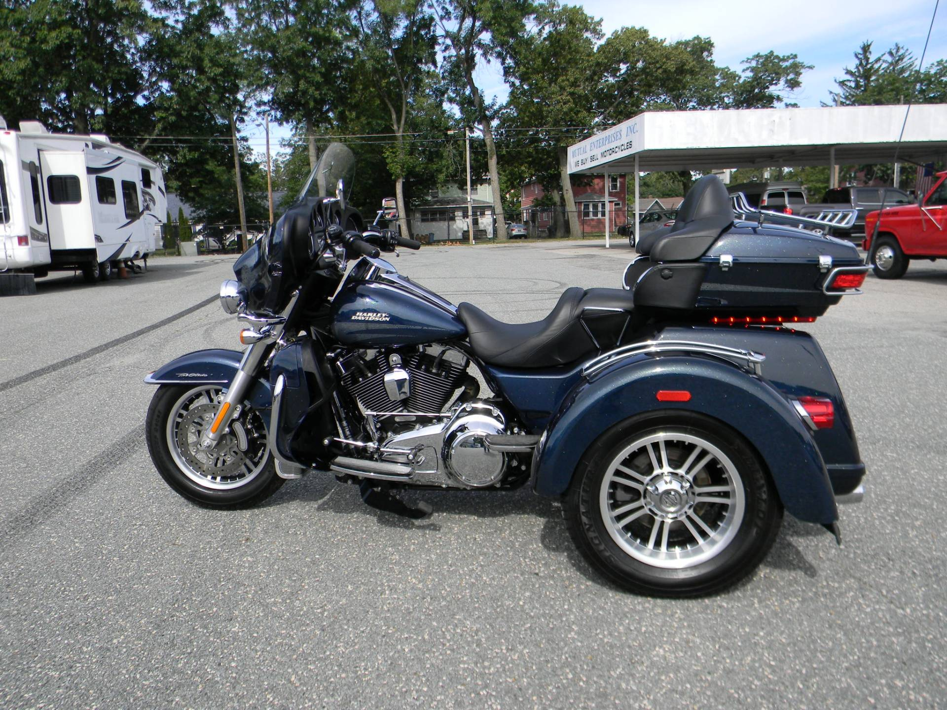2016 Harley-Davidson Tri Glide® Ultra in Springfield, Massachusetts - Photo 9