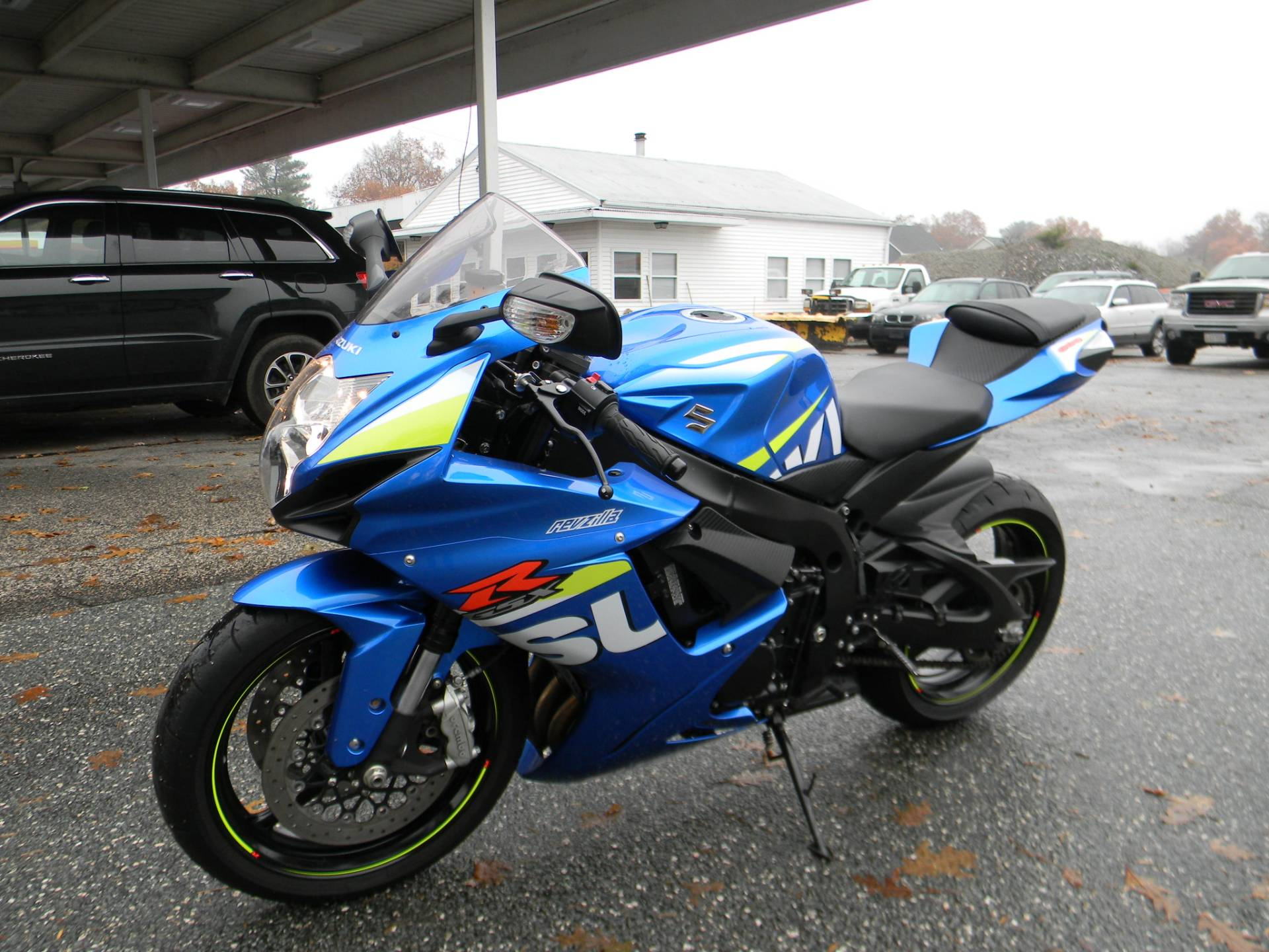 2015 Suzuki GSX-R600 in Springfield, Massachusetts - Photo 5