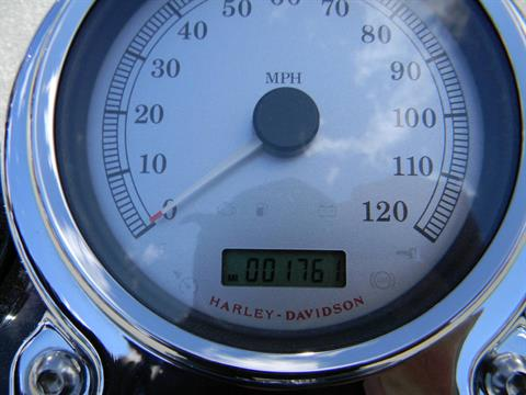 2009 Harley-Davidson Dyna® Fat Bob® in Springfield, Massachusetts - Photo 4