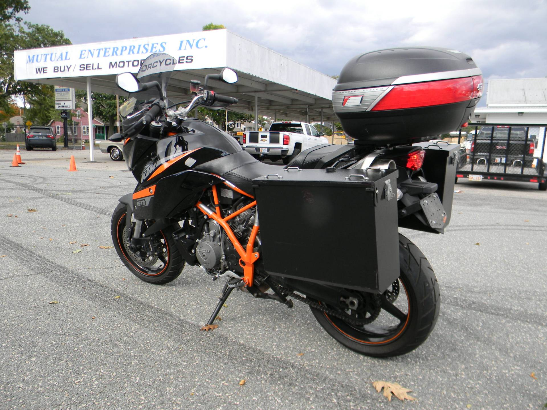 2013 KTM 990 SM T in Springfield, Massachusetts - Photo 7