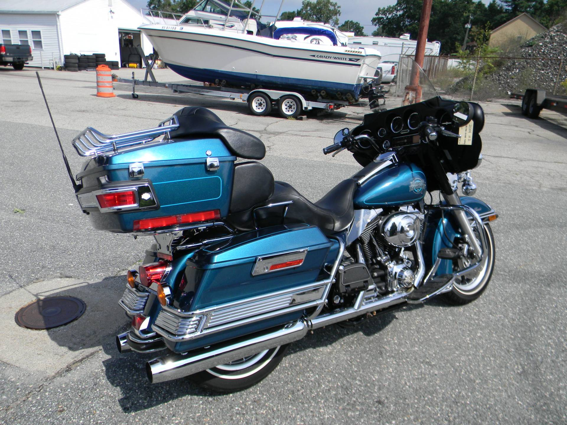 2004 Harley-Davidson FLHTC/FLHTCI Electra Glide® Classic in Springfield, Massachusetts - Photo 3