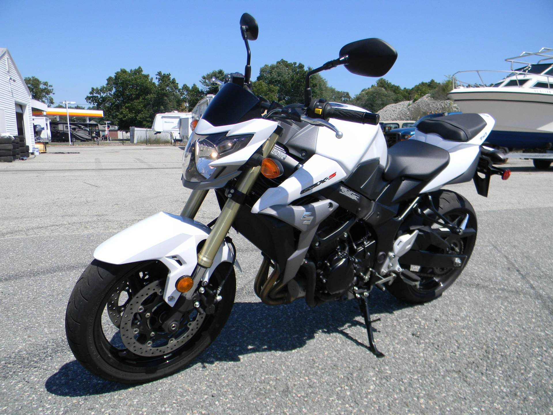 2016 Suzuki GSX-S750 in Springfield, Massachusetts - Photo 5