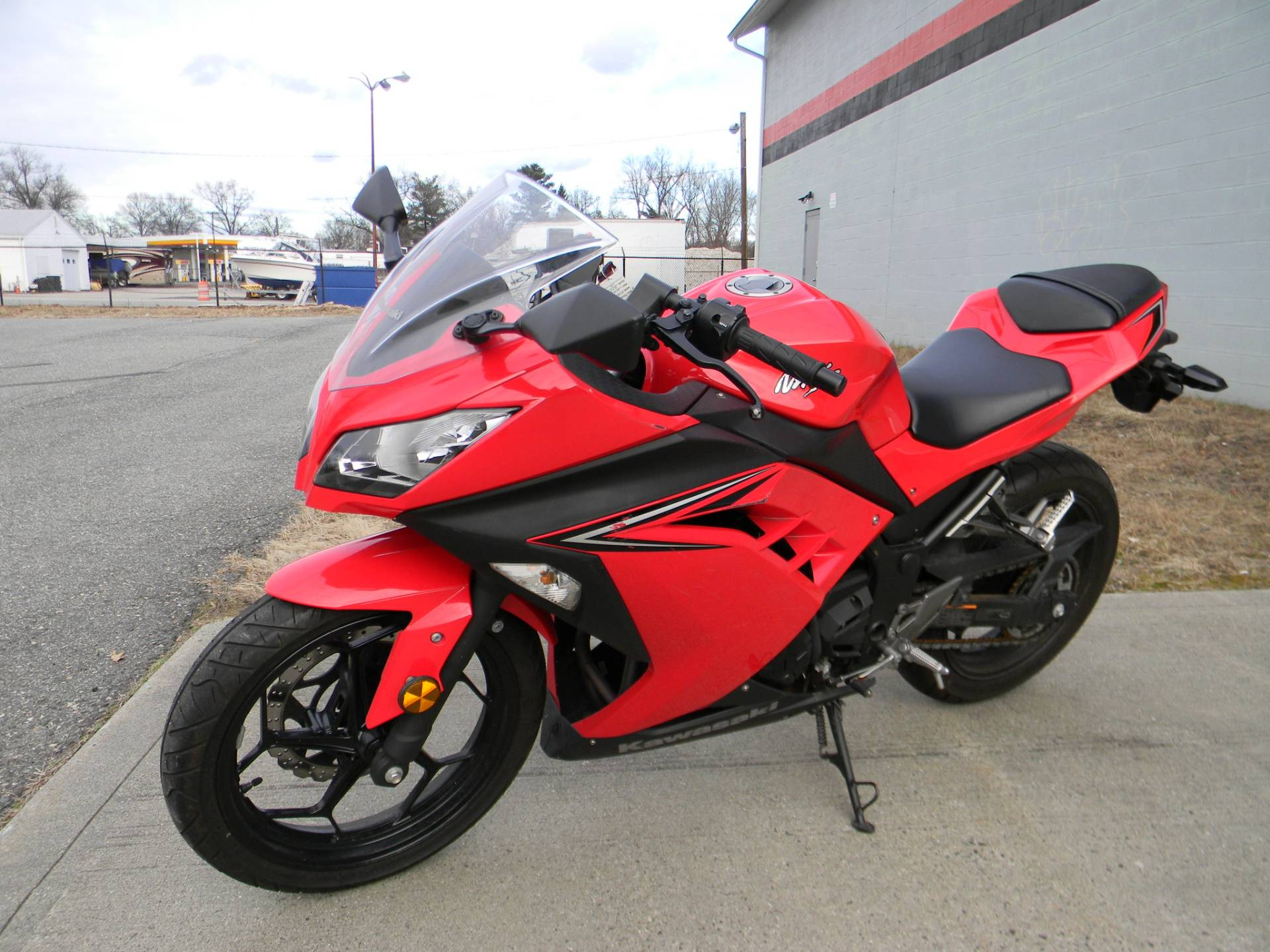 2016 Kawasaki Ninja 300 in Springfield, Massachusetts - Photo 5