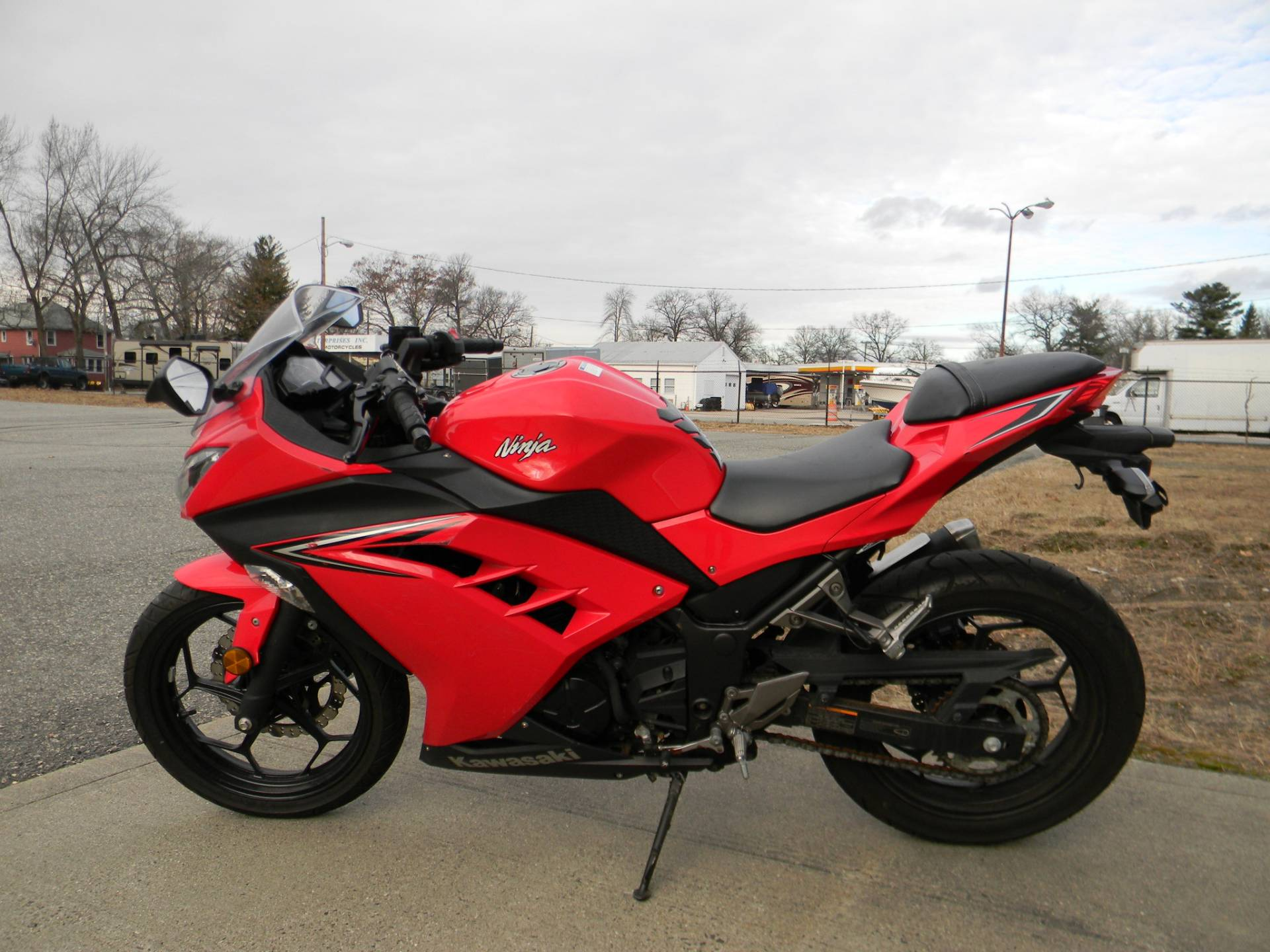 2016 Kawasaki Ninja 300 in Springfield, Massachusetts - Photo 6