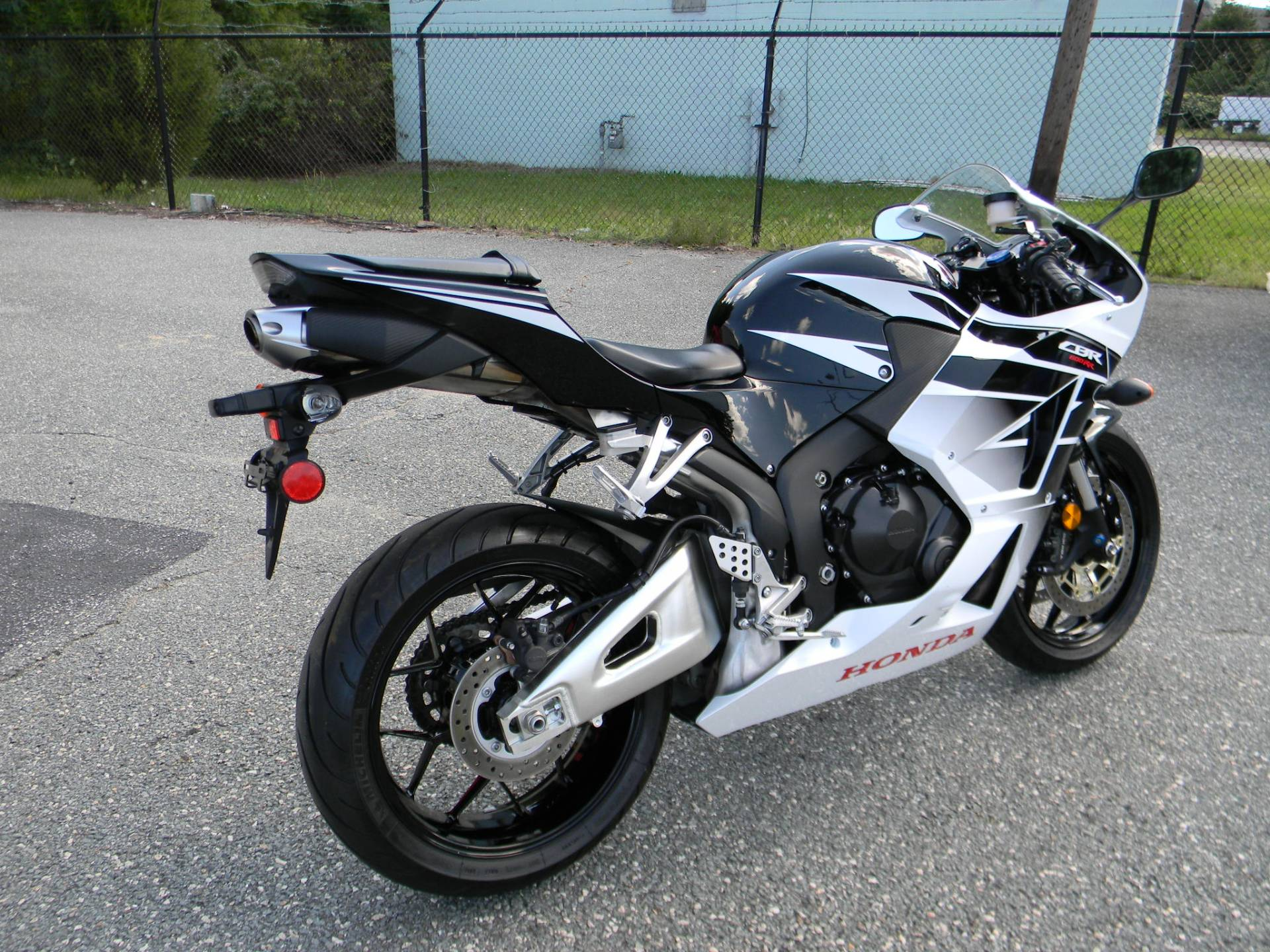 2016 Honda CBR600RR in Springfield, Massachusetts - Photo 3