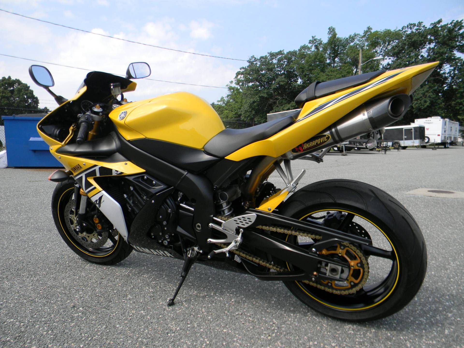 2006 Yamaha YZF-R1 6