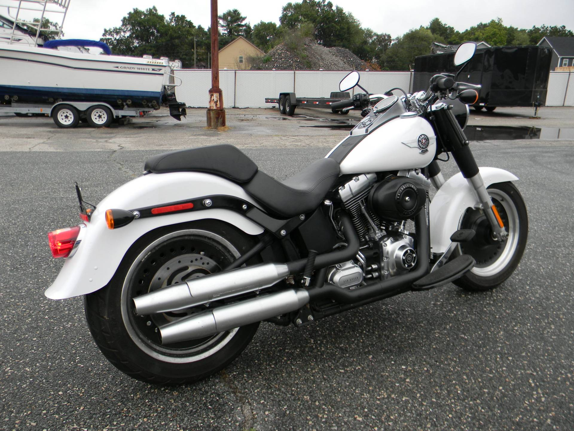 2011 Harley-Davidson Softail® Fat Boy® Lo in Springfield, Massachusetts - Photo 3
