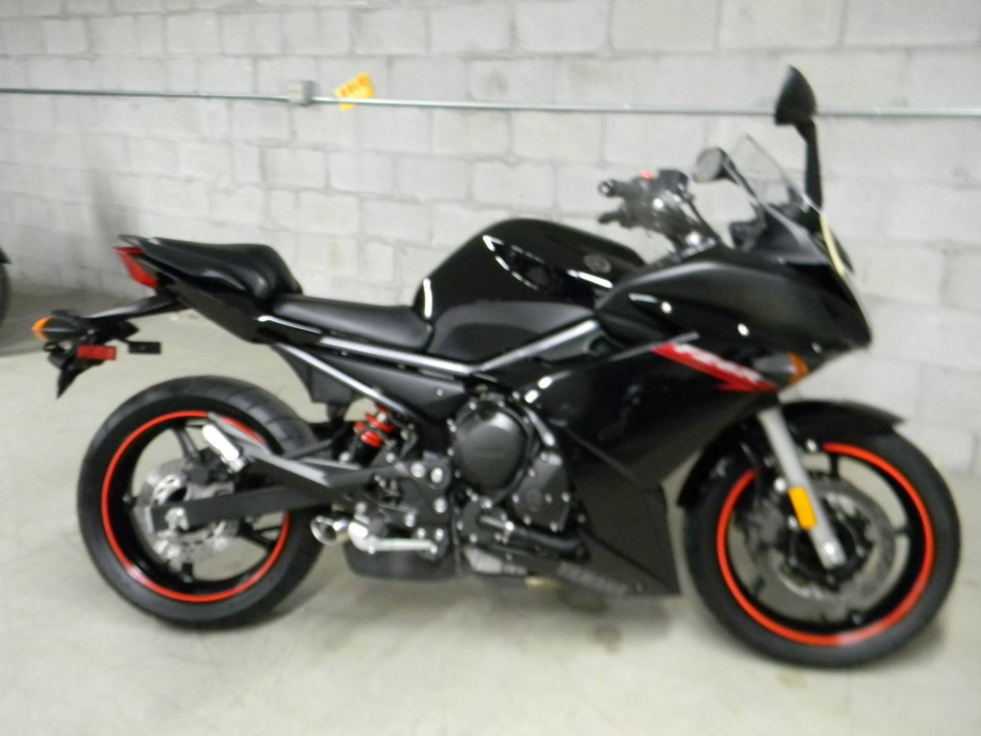 2009 Yamaha FZ6R in Springfield, Massachusetts - Photo 1