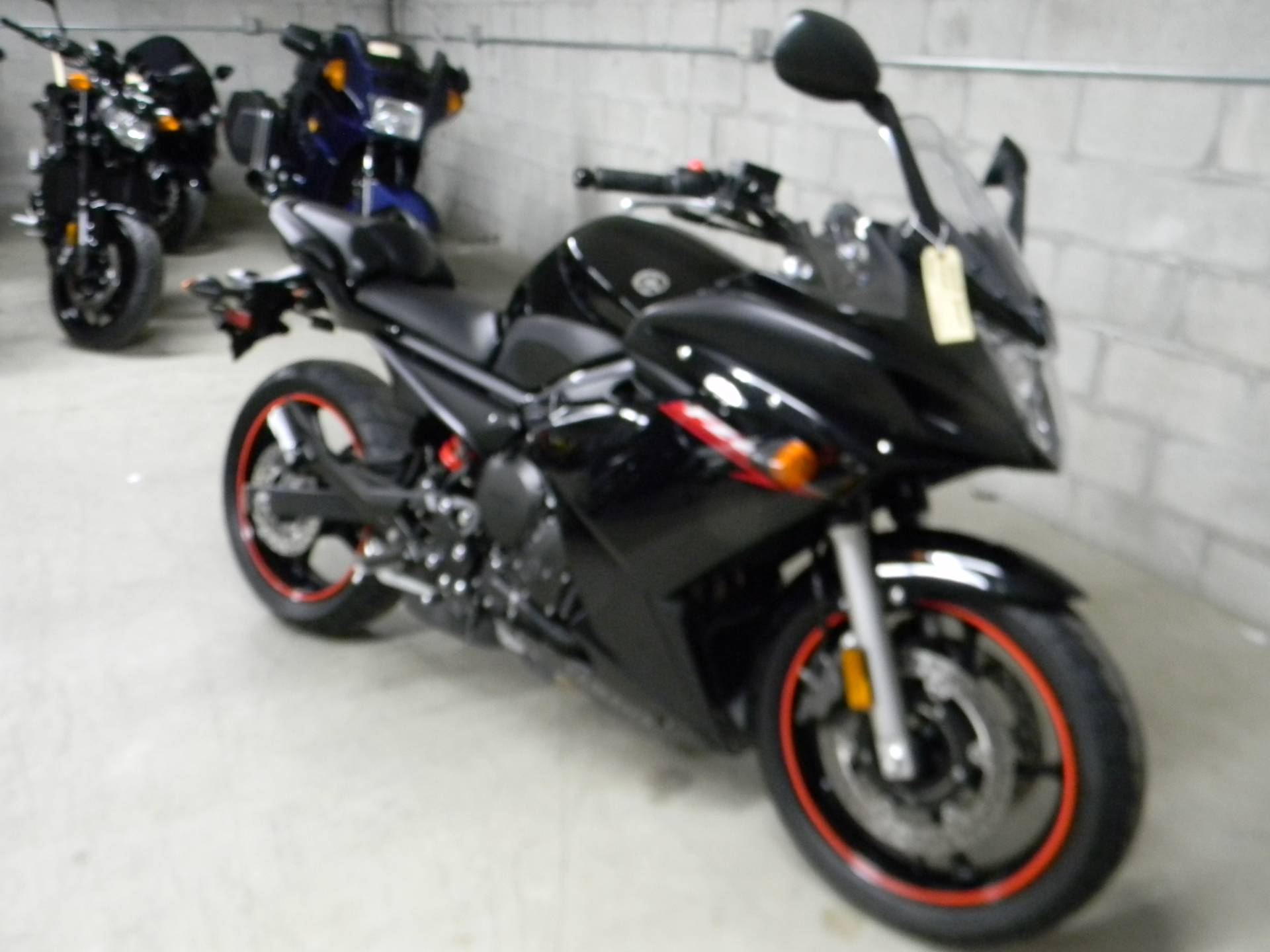 2009 Yamaha FZ6R in Springfield, Massachusetts - Photo 2
