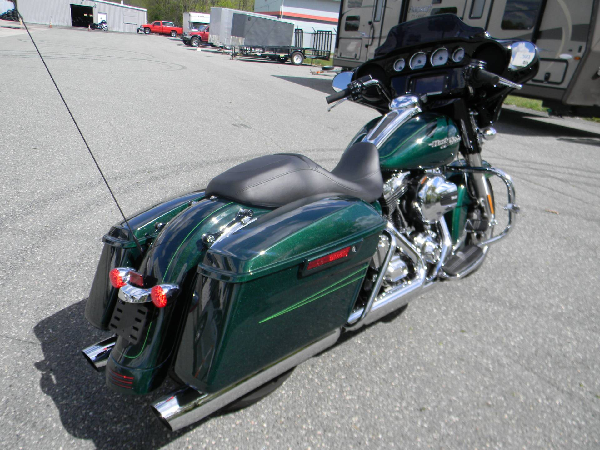 2016 Harley-Davidson Street Glide® Special in Springfield, Massachusetts - Photo 3