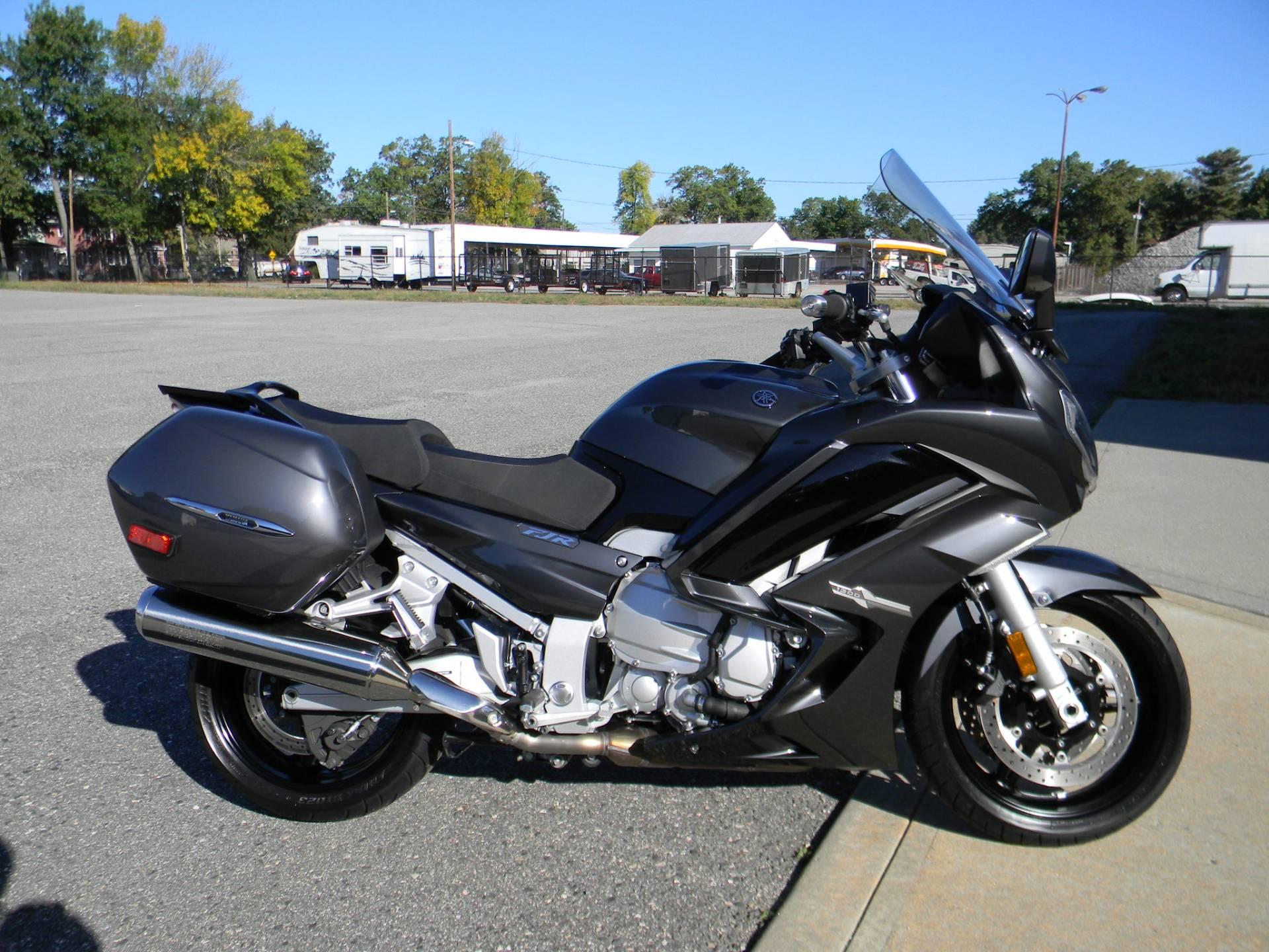 2015 Yamaha FJR1300A 1