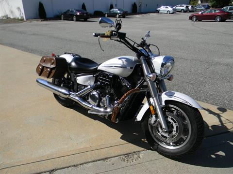 2009 Yamaha V Star 1300 in Springfield, Massachusetts - Photo 2