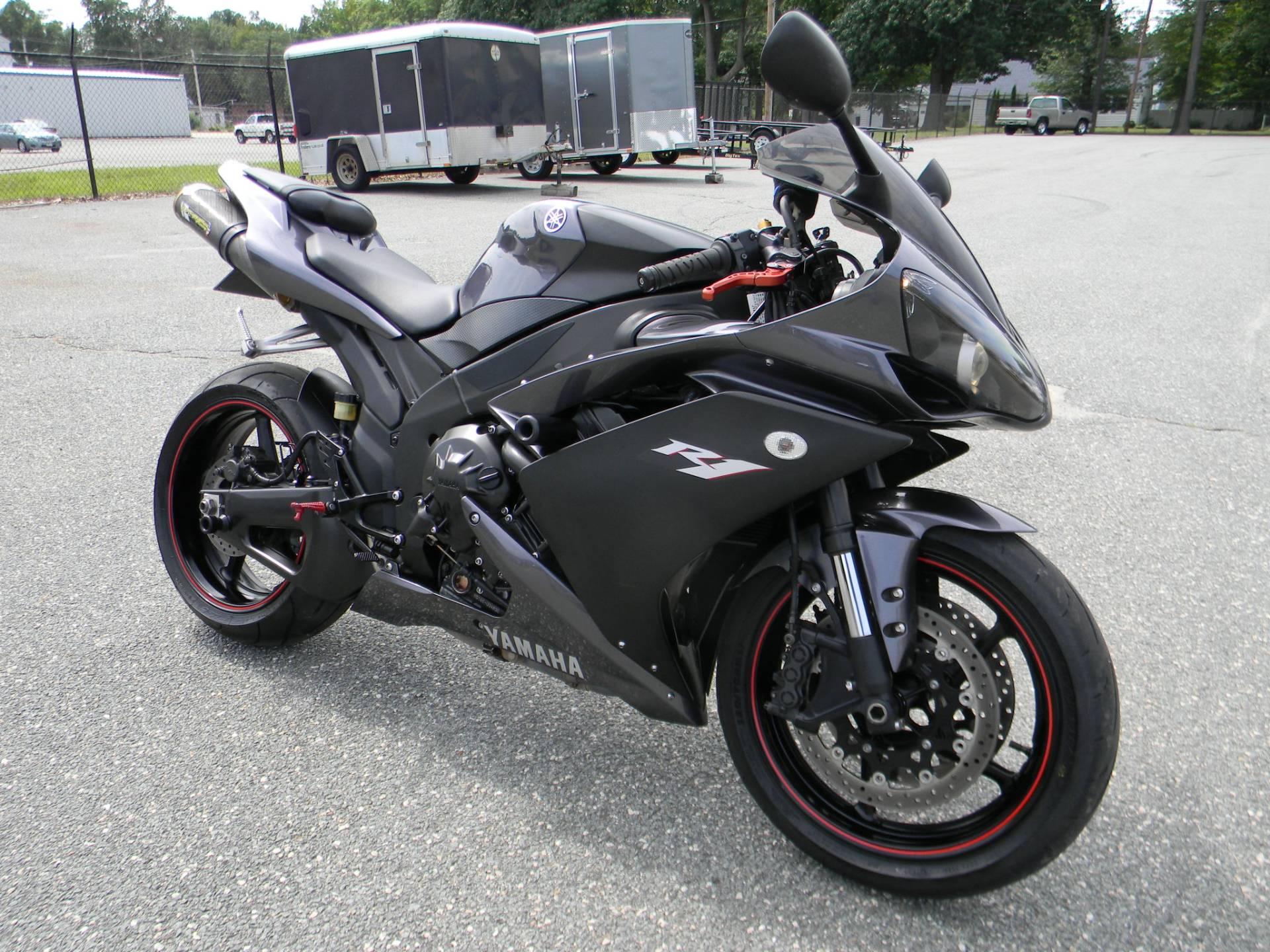 2007 Yamaha YZF-R1 2