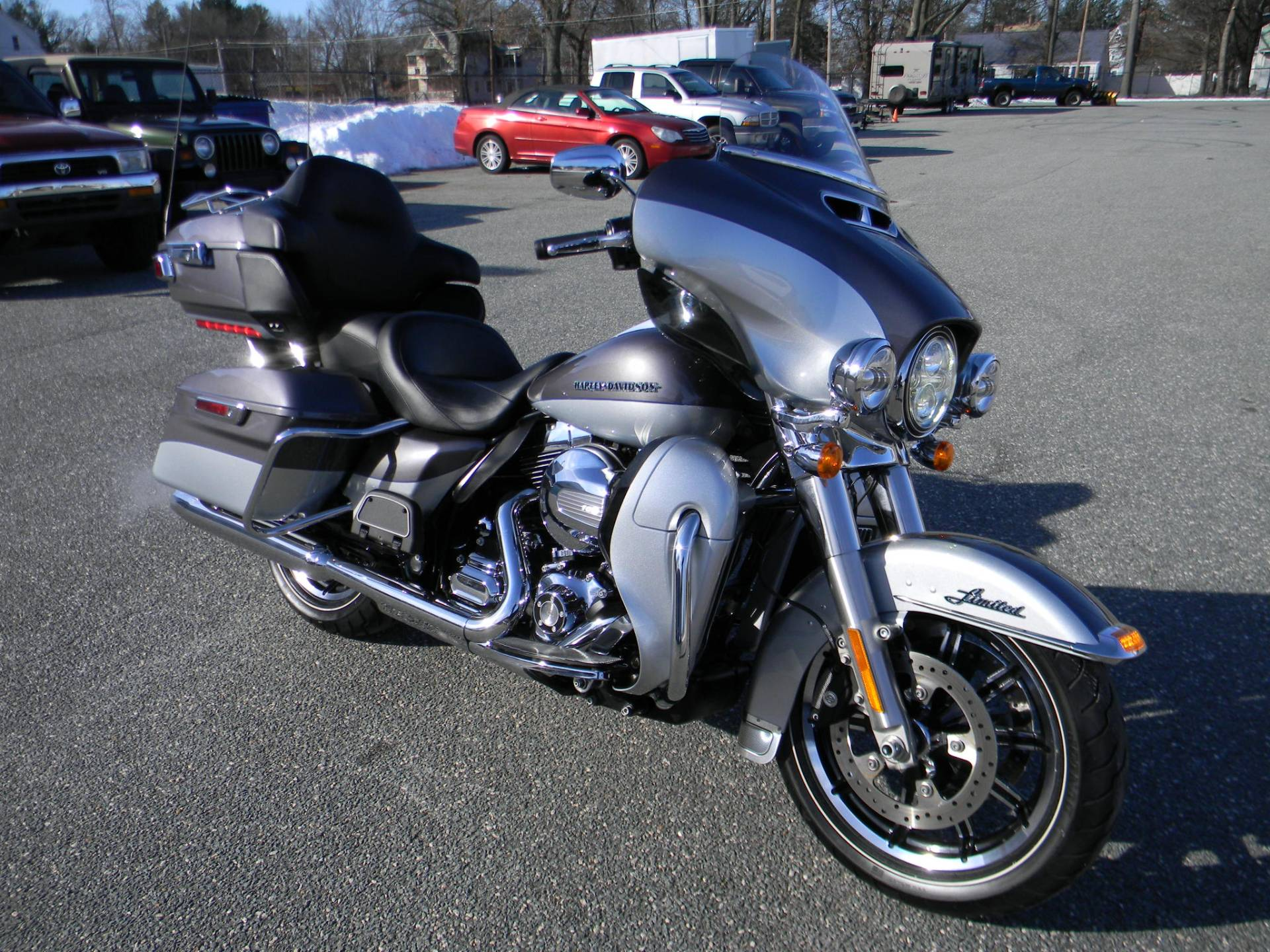 2014 Harley-Davidson Ultra Limited in Springfield, Massachusetts - Photo 2