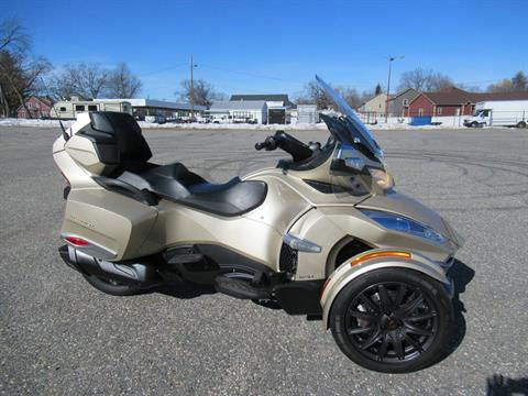 2017 Can-Am Spyder RT-S in Springfield, Massachusetts - Photo 1