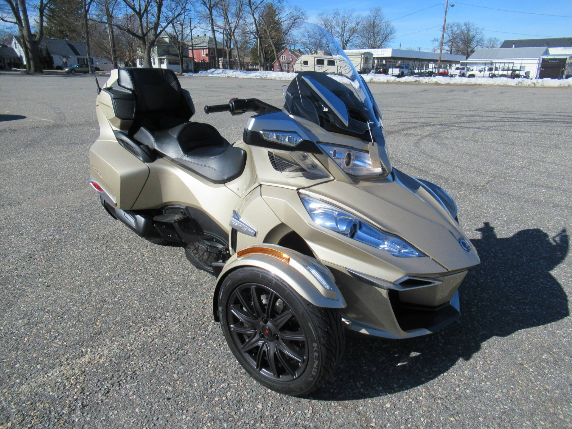 2017 Can-Am Spyder RT-S in Springfield, Massachusetts - Photo 2