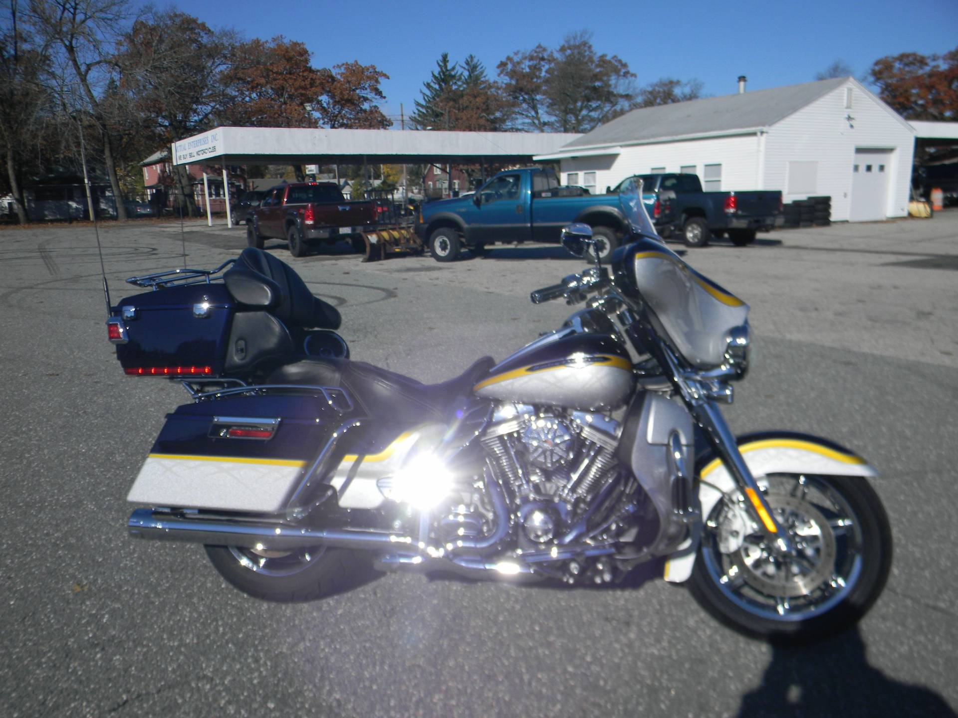 2012 Harley-Davidson CVO™ Ultra Classic® Electra Glide® in Springfield, Massachusetts - Photo 1