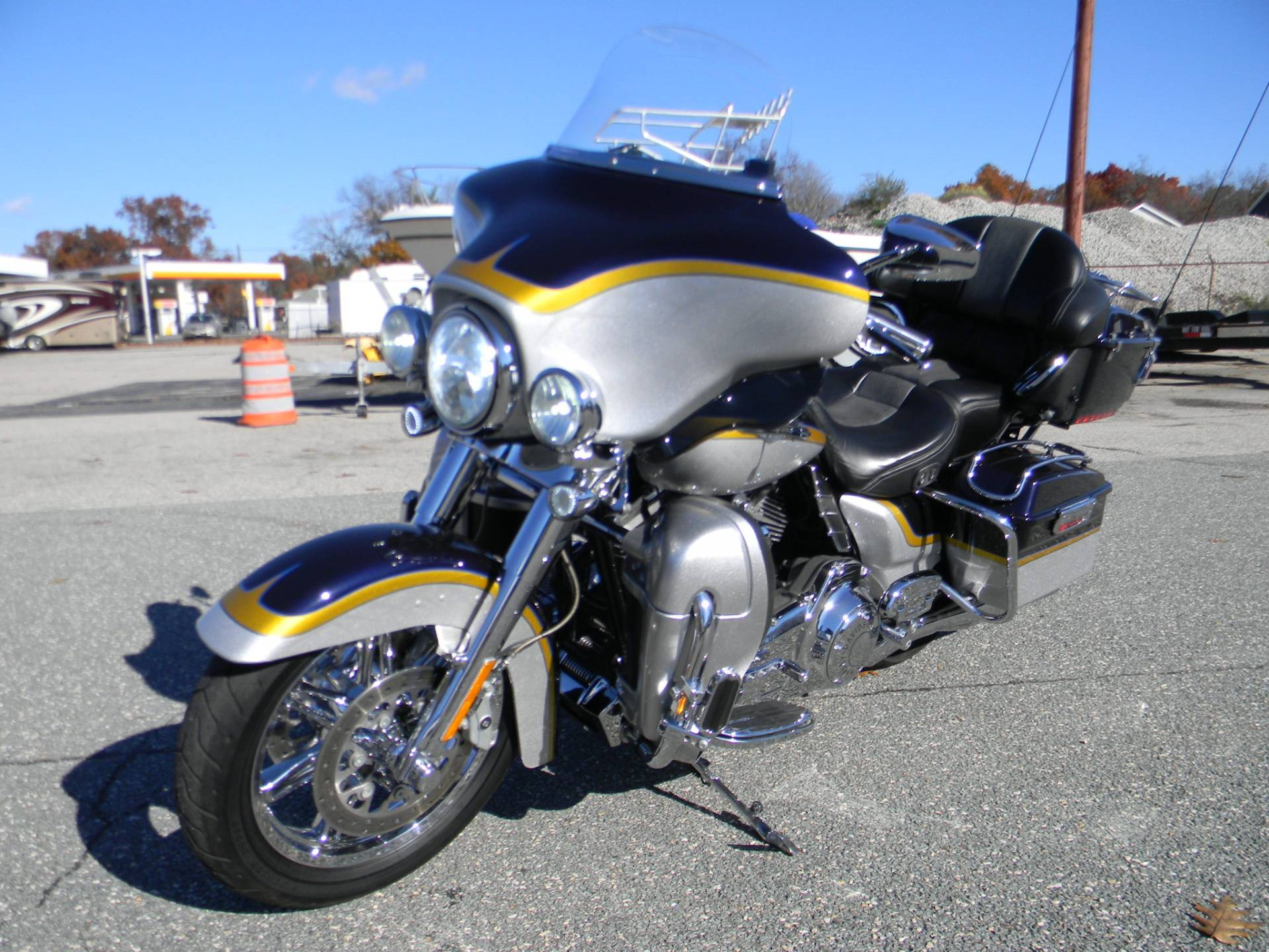 2012 Harley-Davidson CVO™ Ultra Classic® Electra Glide® in Springfield, Massachusetts - Photo 7