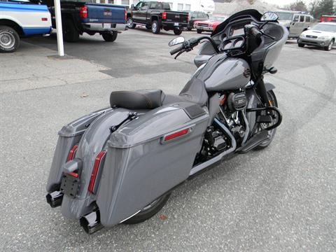 2018 Harley-Davidson CVO™ Road Glide® in Springfield, Massachusetts - Photo 4