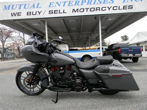 2018 Harley-Davidson CVO™ Road Glide® in Springfield, Massachusetts - Photo 12