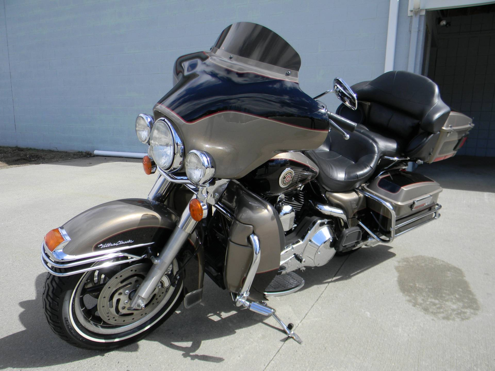 2004 Harley-Davidson FLHTCUI Ultra Classic® Electra Glide® in Springfield, Massachusetts