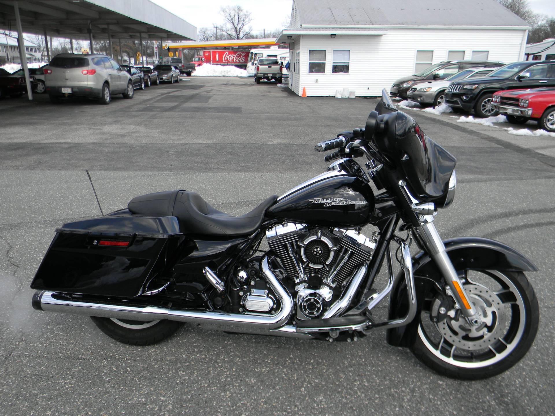 2013 Harley Davidson Street Glide In Springfield Massachusetts