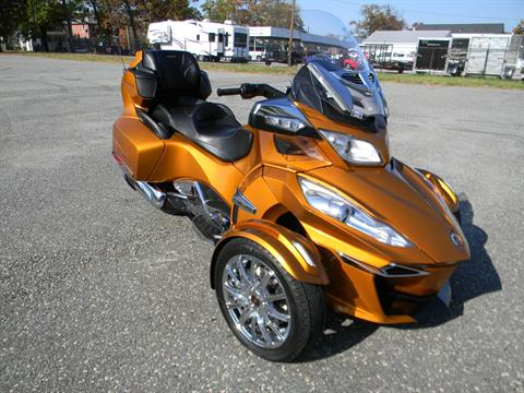 2014 Can-Am Spyder® RT Limited in Springfield, Massachusetts - Photo 2