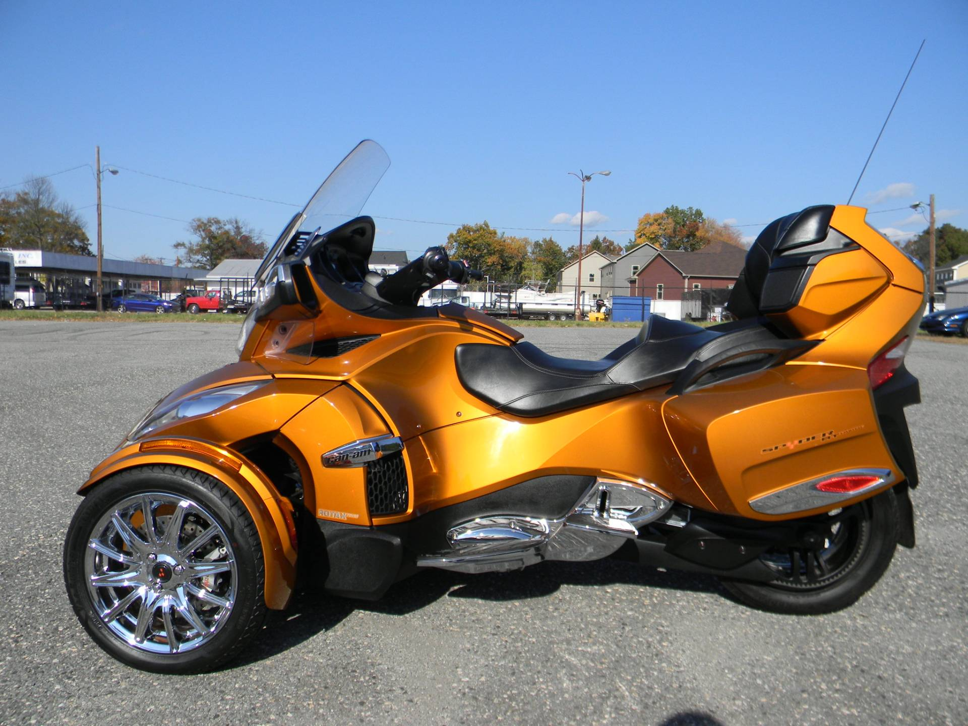 2014 Can-Am Spyder® RT Limited in Springfield, Massachusetts - Photo 8