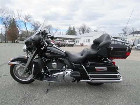 2010 Harley-Davidson Ultra Classic® Electra Glide® in Springfield, Massachusetts - Photo 7