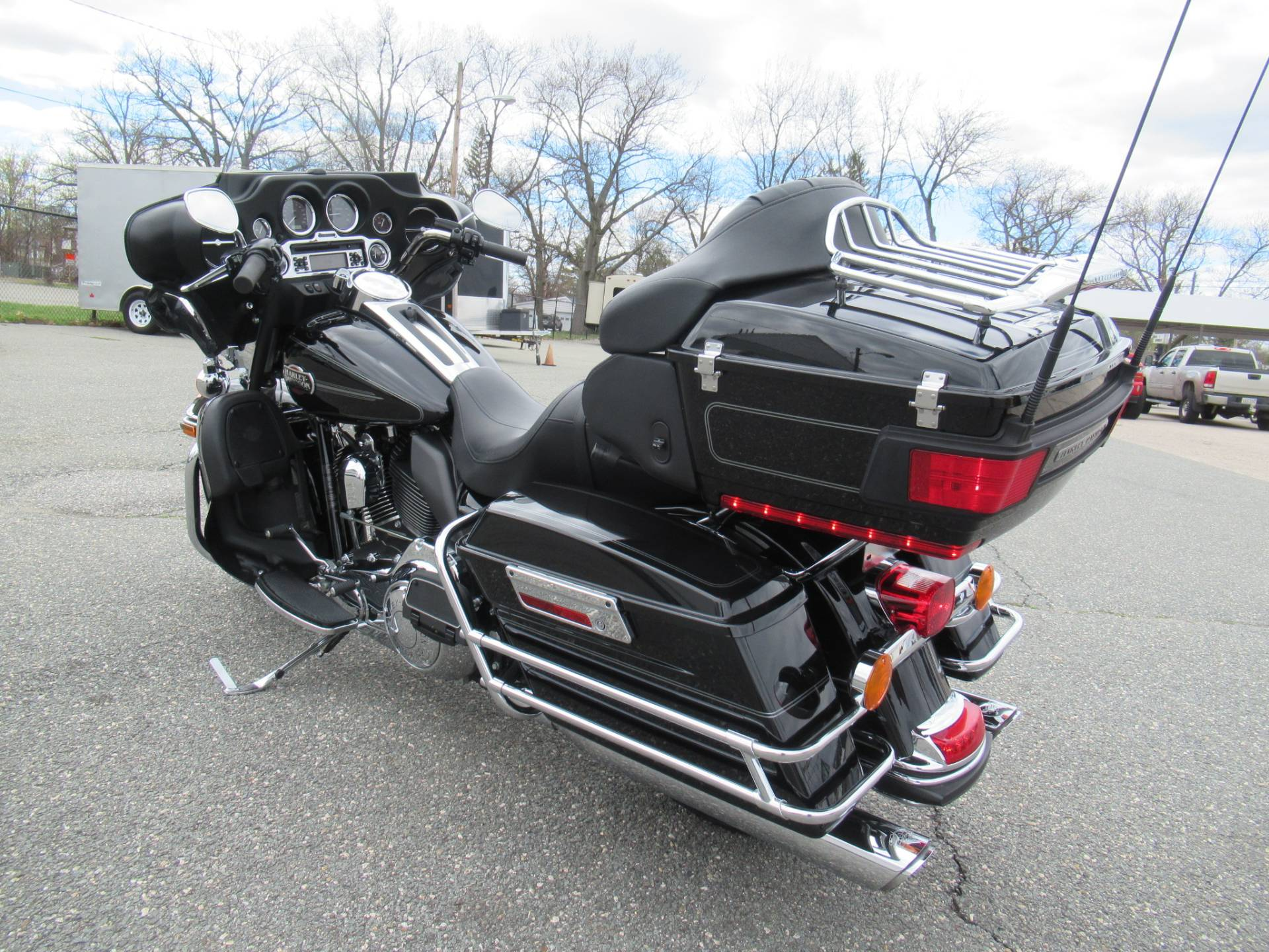 2010 Harley-Davidson Ultra Classic® Electra Glide® in Springfield, Massachusetts - Photo 8