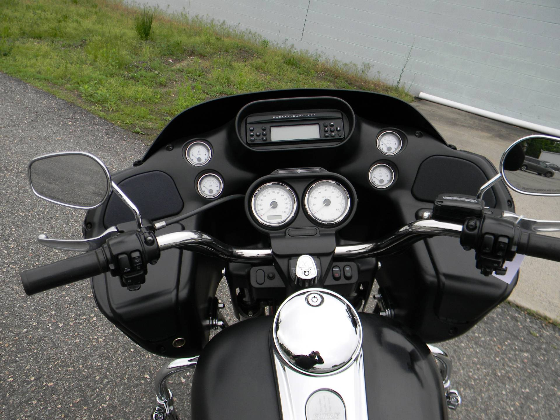 2013 Harley-Davidson Road Glide® Custom in Springfield, Massachusetts - Photo 4